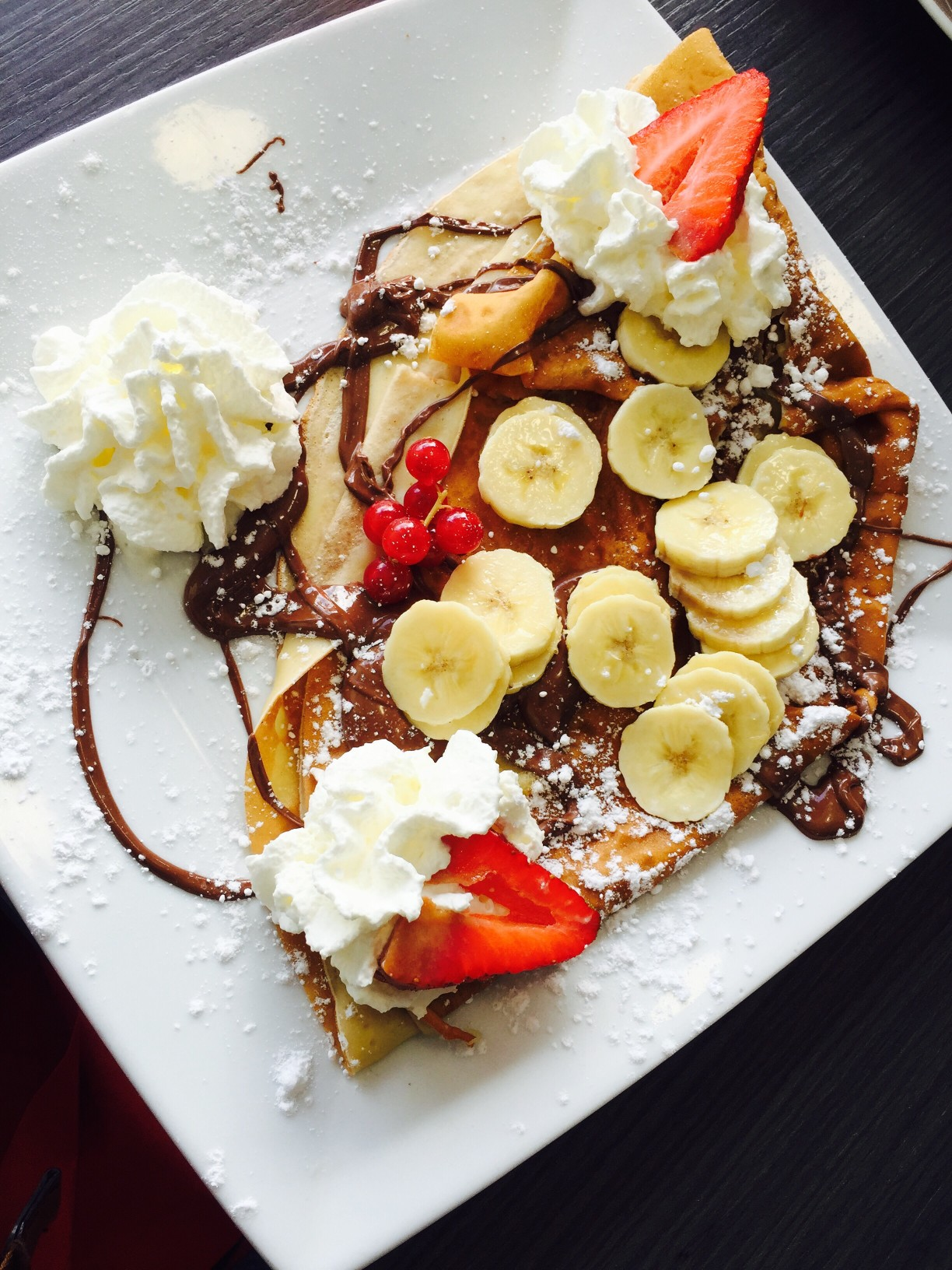 apartments in clarendon strawberry banana chocolate crepe