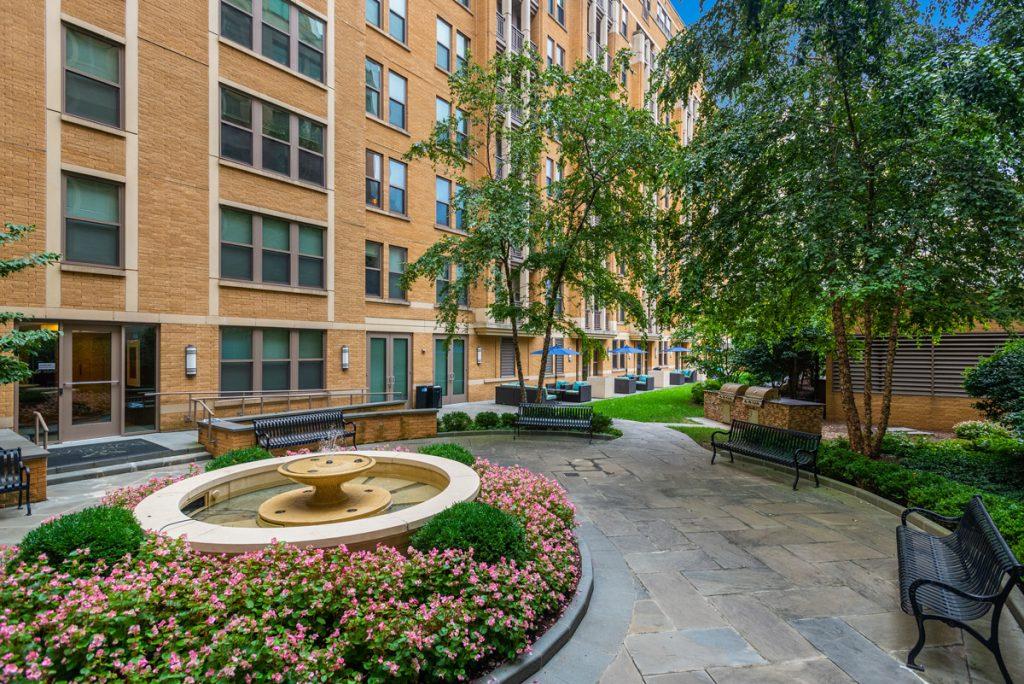 tranquil courtyard fountain | Best Apartments in Arlington VA